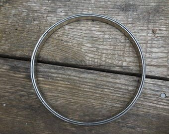 Vintage 1950s to 1960s Silver Tone Metal Embroidery/Needlepoint/Crewel/Cross Stitch Hoop Cork Spring Round Retro Artwork/Project Display