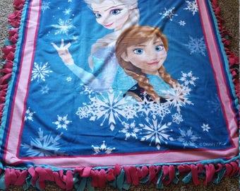 Disney Frozen no sew fleece blanket