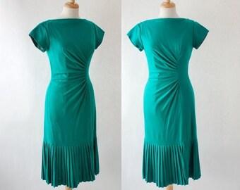 ON SALE Vintage 50s Greeen Wiggle Dress