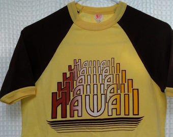 vintage 70's Hawaii T Shirt 1970s Textile Prints brown yellow Hawaiian ringer tee jersey 50/50 S/M spell out new old stock retro island life