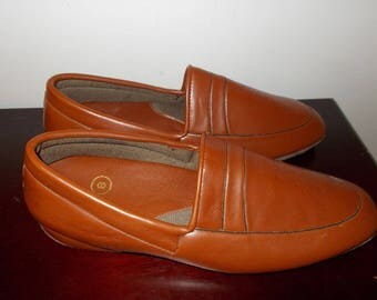 Men's Slippers Vintage House Shoes Made in Hong Kong New Old Stock
