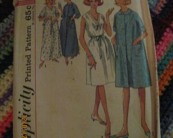 Vintage SIMPLICITY Pattern #5001... sz.14-16...Miss/Womens Nightgown & Robe 2 lengths ...60's....#93...