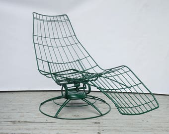 Mid Century wire patio lounge chair / Homecrest vintage lounge chair / Wrought iron patio furniture / Swivel chair