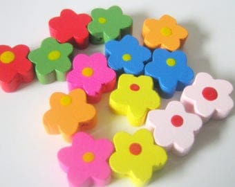 20 Wood Flower Beads-15mm-Jewelry Making Supplies-Beads-Kids Crafts