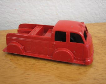Vintage TOOTSIE TOY Red Truck   Chicago   USA    late 1940's to early 1950's