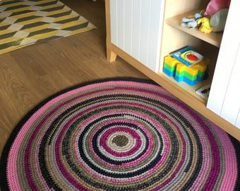 Super cute and original hand crochet wool rug, perfect for a baby girls room, 42'' in diameter, ready to ship