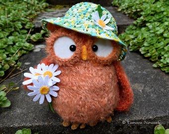 Camomilette the owl, crocheted amigurumi OOAK