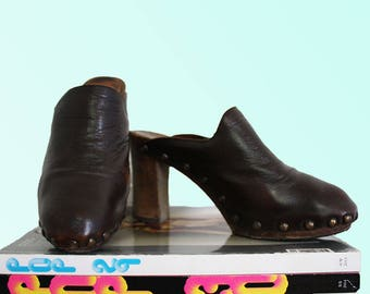 90s DKNY Vintage Clogs Brown Leather Wooden Sole Classic Boho VTG mama Designer Donna Karen New York Groovy Retro Baby