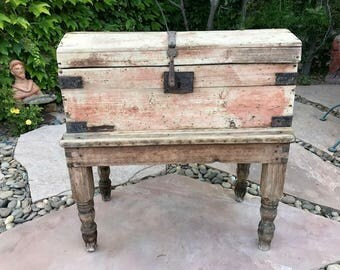 Rustic 18th Century Mexican Spanish Colonial Pine Sabino Chest