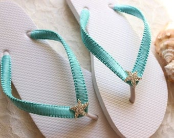 Rehearsal dinner favor flip flops, Outdoor wedding shoes, Poolside party favor, Blue wedding thongs, Bridal flip flops, beach sandals