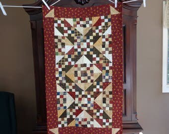 Country Quilt, Scrappy Table Runner, Jacob's Ladder Runner 0603-01