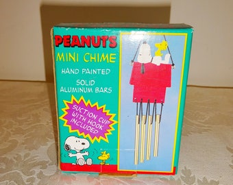 Vintage Snoopy Wind Chimes Peanuts Small Resin Wind Chime New UFS