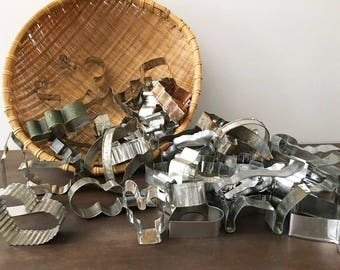Metal cookie Cutter Lot / Christmas Decorations / Ornaments / Garlands / Crafts / Various Designs / Lot of 43