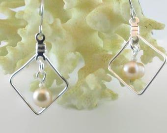 Peach Pearl Earrings - E145