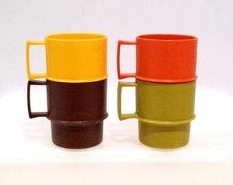 Tupperware Mugs Set of Four Vintage 1970's Harvest Colors Green Yellow Orange Brown 1312 Non Breakable Plastic Handle Cups Stackable Retro