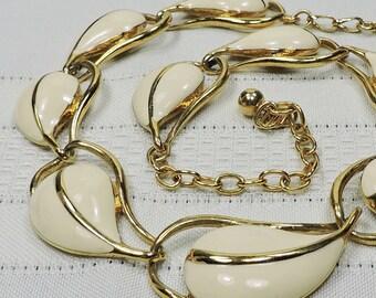 Trifari Enamel Necklace- Excellent Condition