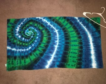 "Tie Dyed Bath Towel ~ i-7360 ~ 27 "" X 48"""