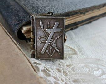 Antique French Book Pendant Religious Souvenir Reliquaire Stations of the Cross (1)