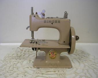 Antique Singer Child's Toy Sewing Machine Hand Crank