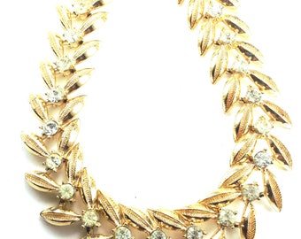 Coro Articulated Necklace Golden Leaf Design Softest Jonquil Rhinestone Accents Extremely Lovely Piece