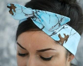 Blue Hunter bow, RealTree Camo Dolly bow headband, hair bow A1