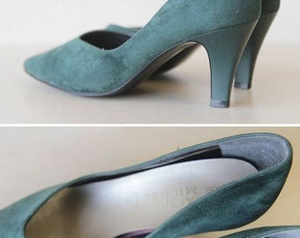 50% OFF SALE Forest green faux suede mid heel pumps shoes 6.5
