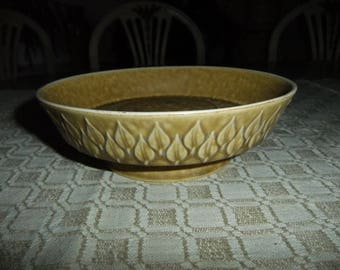 Vintage Relief bowl on foot - Kronjyden Denmark - Jens Quistgaard design