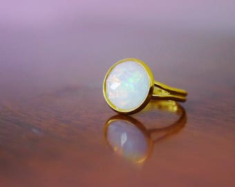 opal ring / galaxy ring / mother of pearl ring