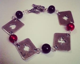 Bracelet poker cards as in silver with red and black