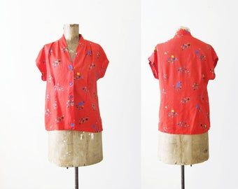 50s Blouse / 1950s Clothing / Rayon Blouse / Vintage Red Shirt / Camp Shirt / Short Sleeve Top / Abstract Pattern Shirt