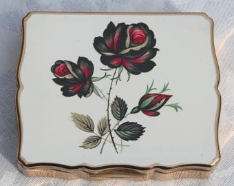 RESERVED On LAYAWAY PLAN  Payment No. 3 of 3 Beautiful 1950s Musical Stratton Vintage Powder Compact with Red Rose Design