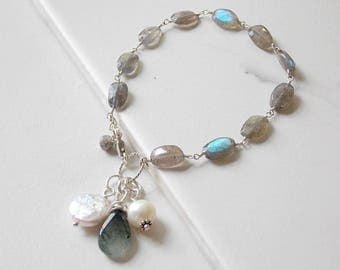Sterling Silver Labradorite and Freshwater Pearl Bracelet. Pearls, Gemstones,Gray Jewelry
