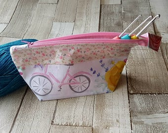 Floral notions bag, cream and pink notions bag, notions pouch, floral project bag, accessory bag, zip pouch, knitting pouch, crochet pouch