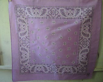 Vintage  bandana Springs crafted with pride in America all cotton lilac purple paisley NOS never used  21.5 x 22 inches