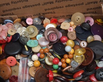 Sm Flat Rate box full of Vintage Craft Buttons 10