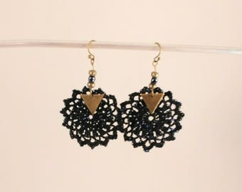 Earring stars bracketed glossy black color