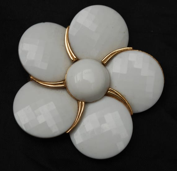 Crown Trifari Brooch - floral leaf - White thermoset plastic - Large 2 3/4 inch -   Mid century Pin