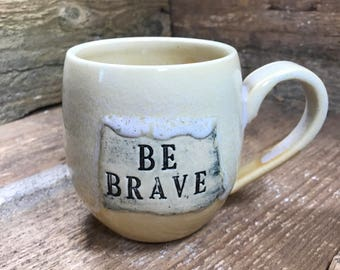 "Mantra Mug ""Be Brave"" in Pink Lemonade"