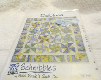 """Paper pattern for a quilt called Dulcinea by Schnibbles at Miss Rosie's Quilt Shop 32"""" square"""