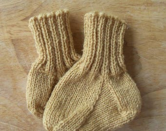 Newborn Hand Knitted Wool Socks with a Ribbed Cuff
