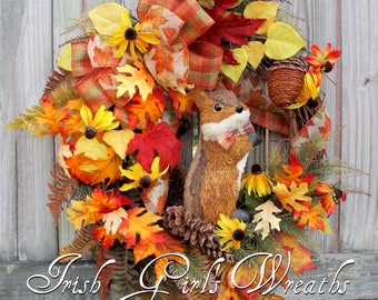 Fall Chipmunk Wreath, Rustic Fall Wreath, Fall decor, Fall floral wreath, Sisal Chipmunk and Acorn Wreath