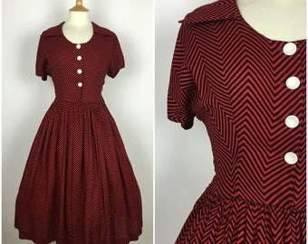 Vintage 1940s Tea Dress - 40s Red Black Chevron Striped Dress - Swing Dress - Shirtwaist Dress - Small - UK 10 / US 6 / EU 38