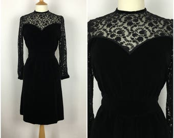 Vintage 1940s Evening Dress - 40s Black Velvet & Lace Dress - Formal sheath Dress - Sweetheart Bodice - Medium - UK 12 / US 8 / EU 40 -