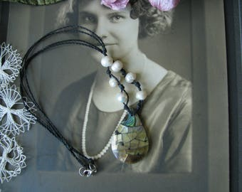 Vintage Inlaid Mother Of Pearl Cultured Pearl Abalone Necklace, Inlaid Mother Of Pearl Pendant Necklace