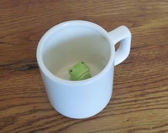 Vintage Peek A Boo Hidden Surprise Mug Frog