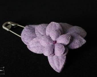brooch three leaves purple