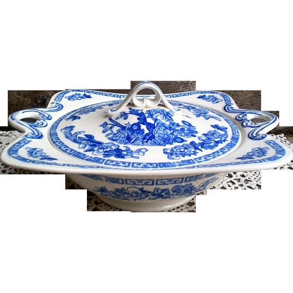 Antique Tureen Blue and White Transferware, John Maddock and Sons Royal Vitreous