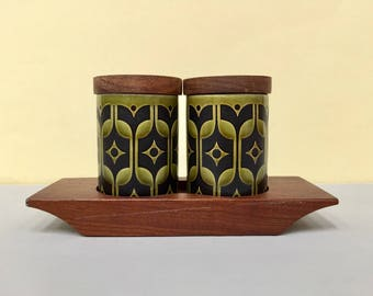 Hornsea Pottery 'Heirloom' salt and pepper shakers, with stand