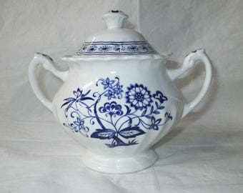 """J&G Meakin """"Blue Nordic"""" Large Sugar Bowl with Lid Blue Onion / Swirl Design (c. 1970s)"""