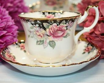 "ROYAL ALBERT Bone China teacup and Saucer ""Concerto"""